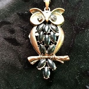 Vintage an olw brass pendants necklace